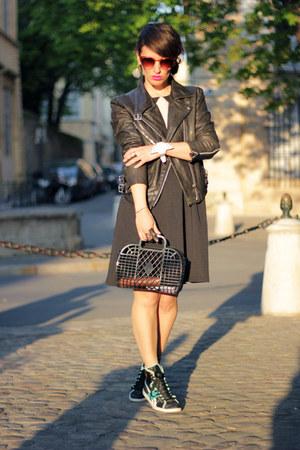Dresses+ sneaker 14